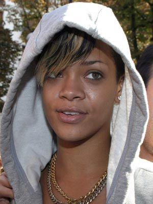 Celebs With No Make-up - Rihanna