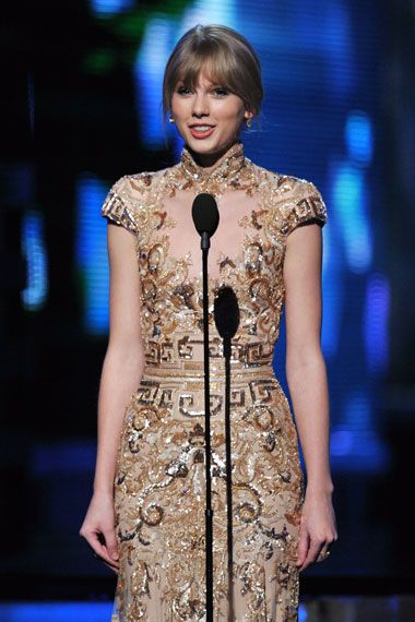2012 Grammy Award Highlights - Taylor Swift at the 2012 Grammy Awards