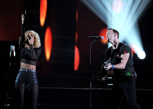 2012 Grammy Awards Performances - Rihanna and Coldplay performing at the 2012 Grammy Awards.