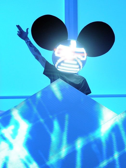 2012 Grammy Awards Performances - Dead Mau 5 at the 2012 Grammy Awards.
