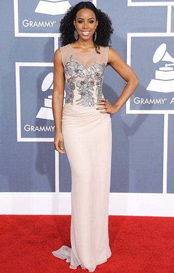 2012 Grammy Awards Red Carpet - Kelly Rowland on the Red Carpet at the 2012 Grammy Awards.