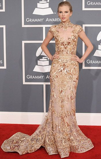 2012 Grammy Awards Red Carpet - Taylor Swift on the Red Carpet at the 2012 Grammy Awards.