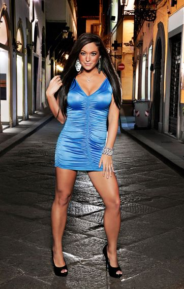 Jersey Shore Then & Now - Sammi on the streets of Italy - sizzle - bella!