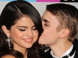 Justin Bieber & Selena Gomez at the American Music Awards