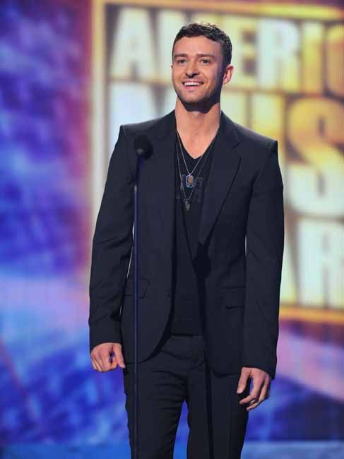 Best Of Justin Timberlake - Happy 31st - Justin at the 2008 American Music Awards - tender 27 yrs old (Nov 2008)
