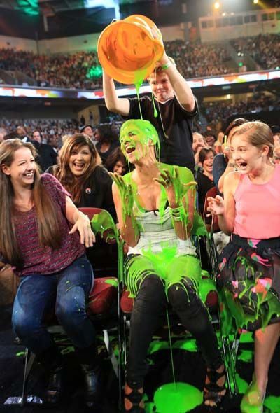 Kid's Choice Awards 2012 - Celebrity Moments - Halle Berry is slimed inthe audience for being late