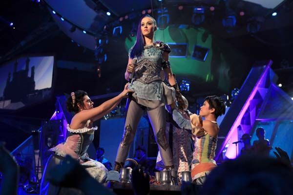 Kid's Choice Awards 2012 - Celebrity Moments - Katy Perry performs Part Of Me at the KCA's 2012