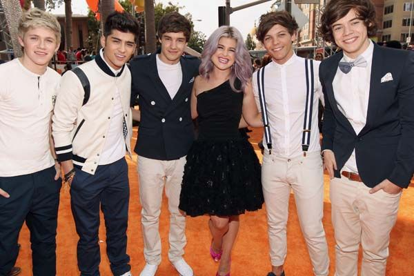 Kid's Choice Awards 2012 - Celebrity Moments - One Direction with TV host Kelly Osbourne