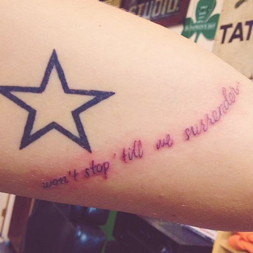 One Direction | Boy Cru Tattoos - Harry rocks the lyric