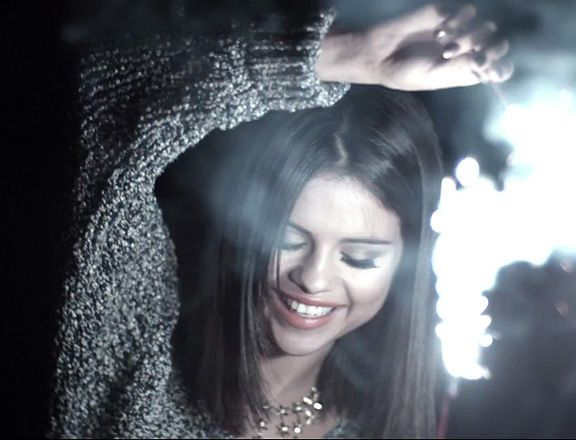 Selena Gomez 'Hit The Lights' Looks - Adorrrrable!