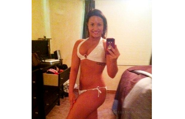 Sexiest Phone Self Portraits - Demi Lovato