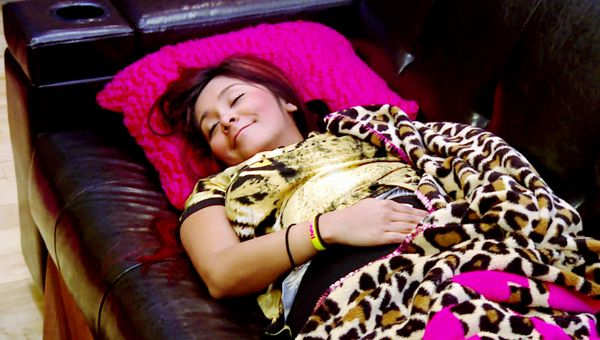Snooki Introduces the World To Lorenzo Dominic LaValle - Snooki has sweet dreams of her unborn baby