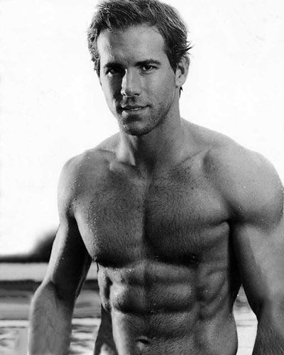 Top Celebrity Abs - Sexxxy Stomachs - aaah! - Ryan Renolds - he looks doo good in black and white