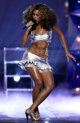 Top Celebrity Abs - Sexxxy Stomachs - aaah! - Beyonce has a dancer's legs and the washboard stomach connected to them - wow