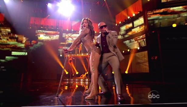 JLo's Smokkkkinnnn Catsuit Look - JLo at the 2011 American Music Awards