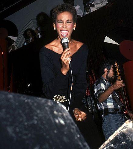 Whitney Houston - Timeline - 1963 to 2012