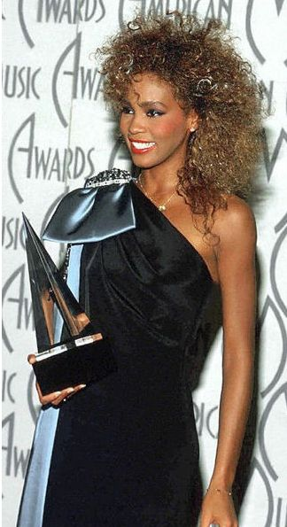 Whitney Houston | Timeline - 1963 to 2012 - Whitney houston - 1986 - American Music Awards