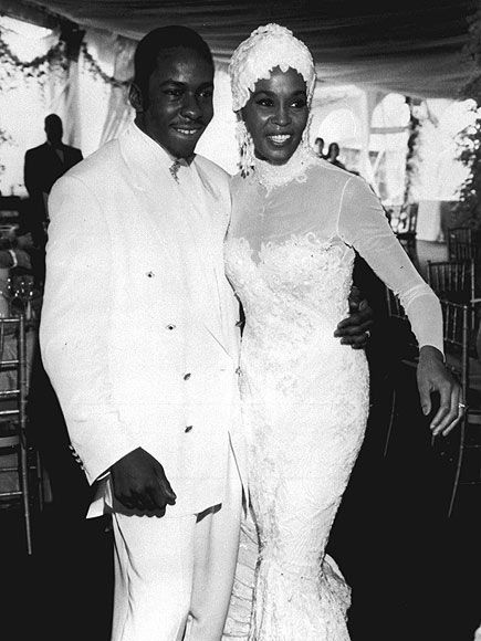 Whitney Houston | Timeline - 1963 to 2012 - Whitney Houston - 1992 - marries Bobby Brown