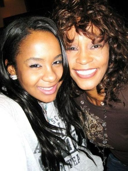 Whitney Houston | Timeline - 1963 to 2012 - Whitney Houston - 2008 - with daughter